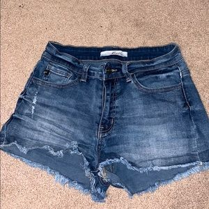 Kancan shorts from buckle